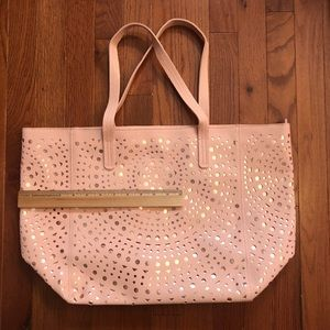 bath and body works Bags - Adorable pink and gold tote bag!